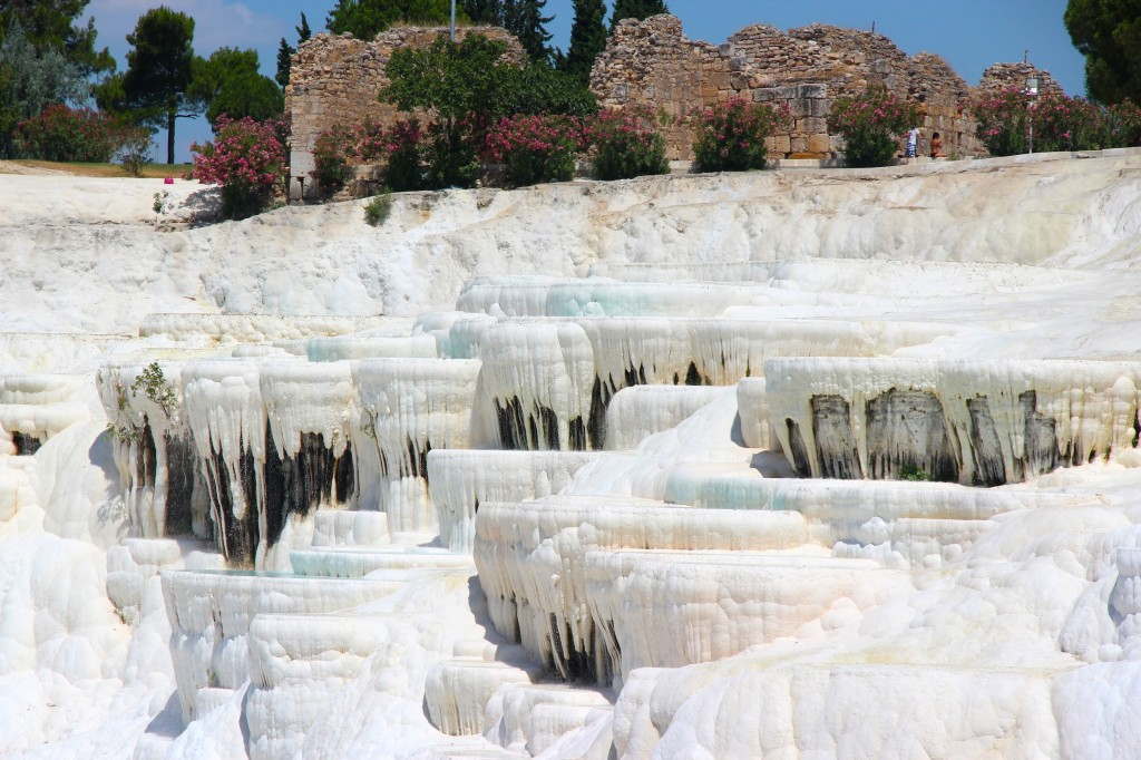 Pamukkale, Turkeys Cotton Castle Hot Springs - Gallivant Girl